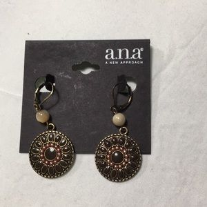 Earrings NWT